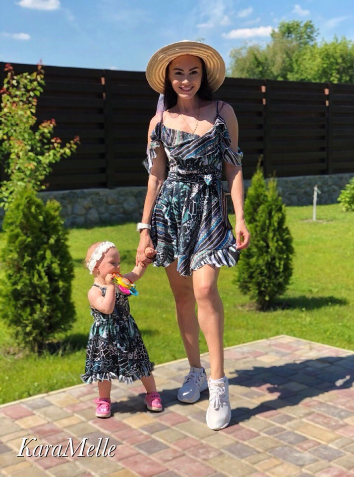 Женский набор для мамы и дочки платье в принт v9321