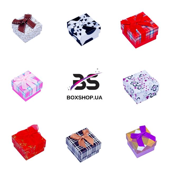Самый доступный сегмент - картонные, или как их еще называют, бумажные, коробочки для украшений. Основные направления - для колец, для наборов, для цепочек и браслетов.
