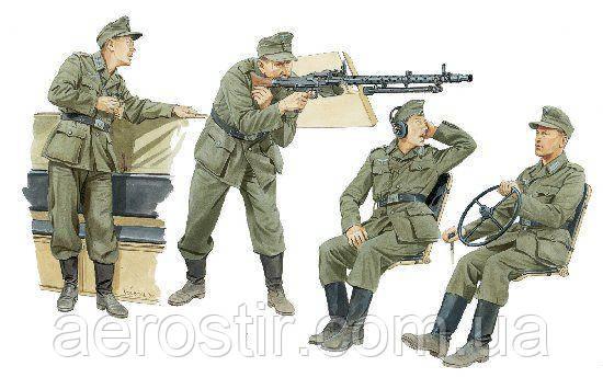 German Halftrack Crewmen 1/35 Dragon 6193