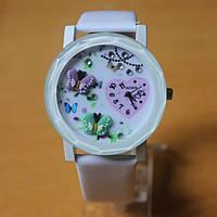 Часы женские с бабочками - белые
