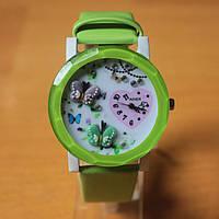 Часы женские с бабочками - салатовые
