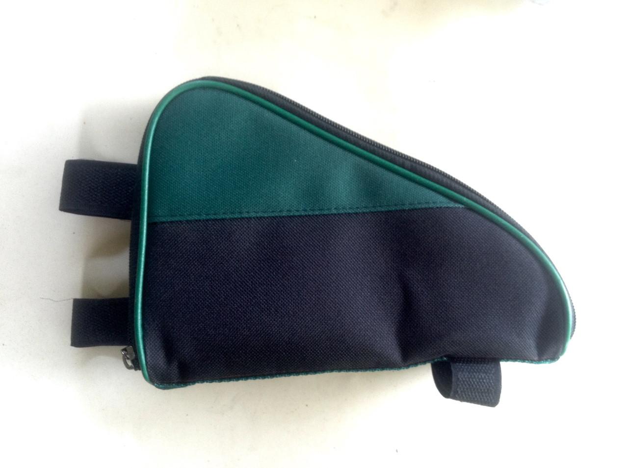 Cумка универсальная, с зеленой вставкой
