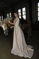 Свадебное кремово-розовое атласное платье Virginia с блестящей аппликацией