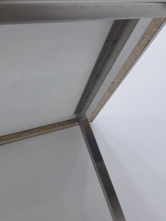 Столы производственные разделочные, рабочие поверхности 37
