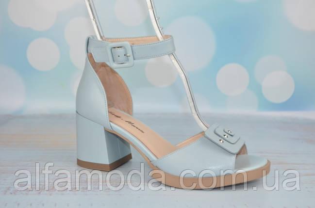 64ab6d7d8d1a Кожаные босоножки на каблуке Lady Marcia