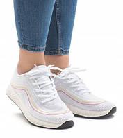 Белые женские кроссовки трикотажные