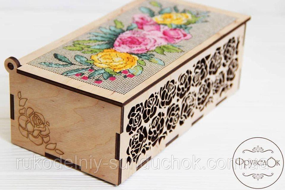 """Набор для вышивання крестиком на деревянной основе ФрузелОк """"Шкатулка с розами"""" 0901"""
