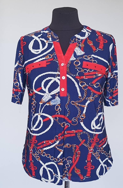 Блузка летняя рубашечного кроя с короткими рукавами