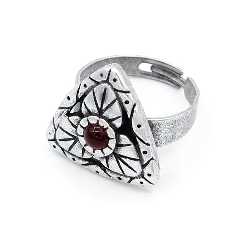 Кольцо женское под серебро с красным камнем Газдыня ТМ Скифская Этника