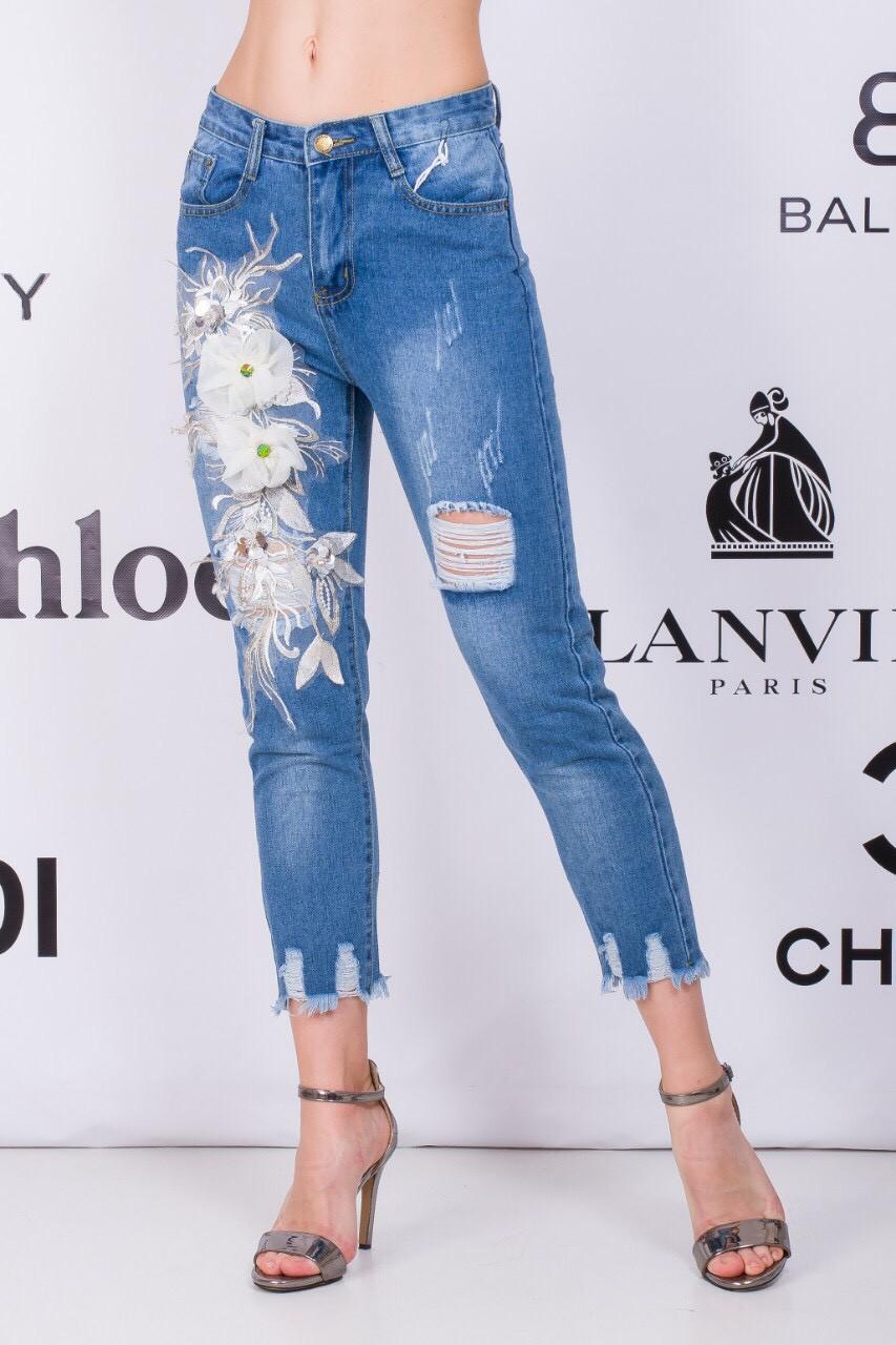 Стильные джинсы с украшением 42-48