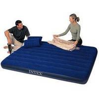 Надувной матрас кровать  в наборе с подушками  и насосом Intex 68765