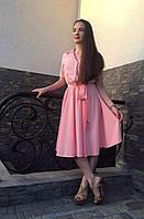 Элегантное женское платье с поясом пудровое