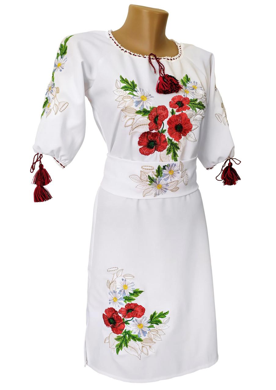 Вишита жіноча сукня до колін у білому кольорі із квітковим орнаменнтом «Мак ромашка»