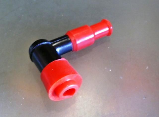 Надсвечник DELTA c силіконовою резинкою (червоний)