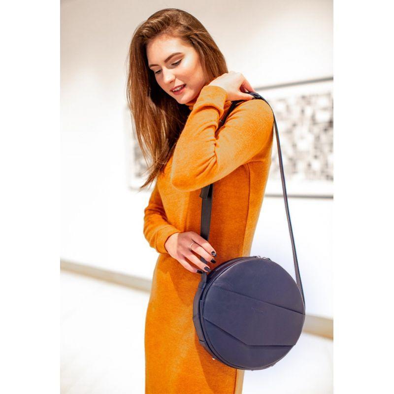 Кожаная женская круглая сумка-рюкзак Maxi темно-синяя