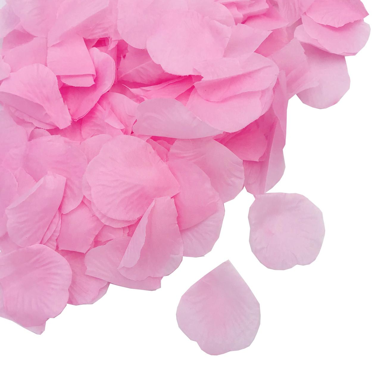 Лепестки роз нежно-розовые