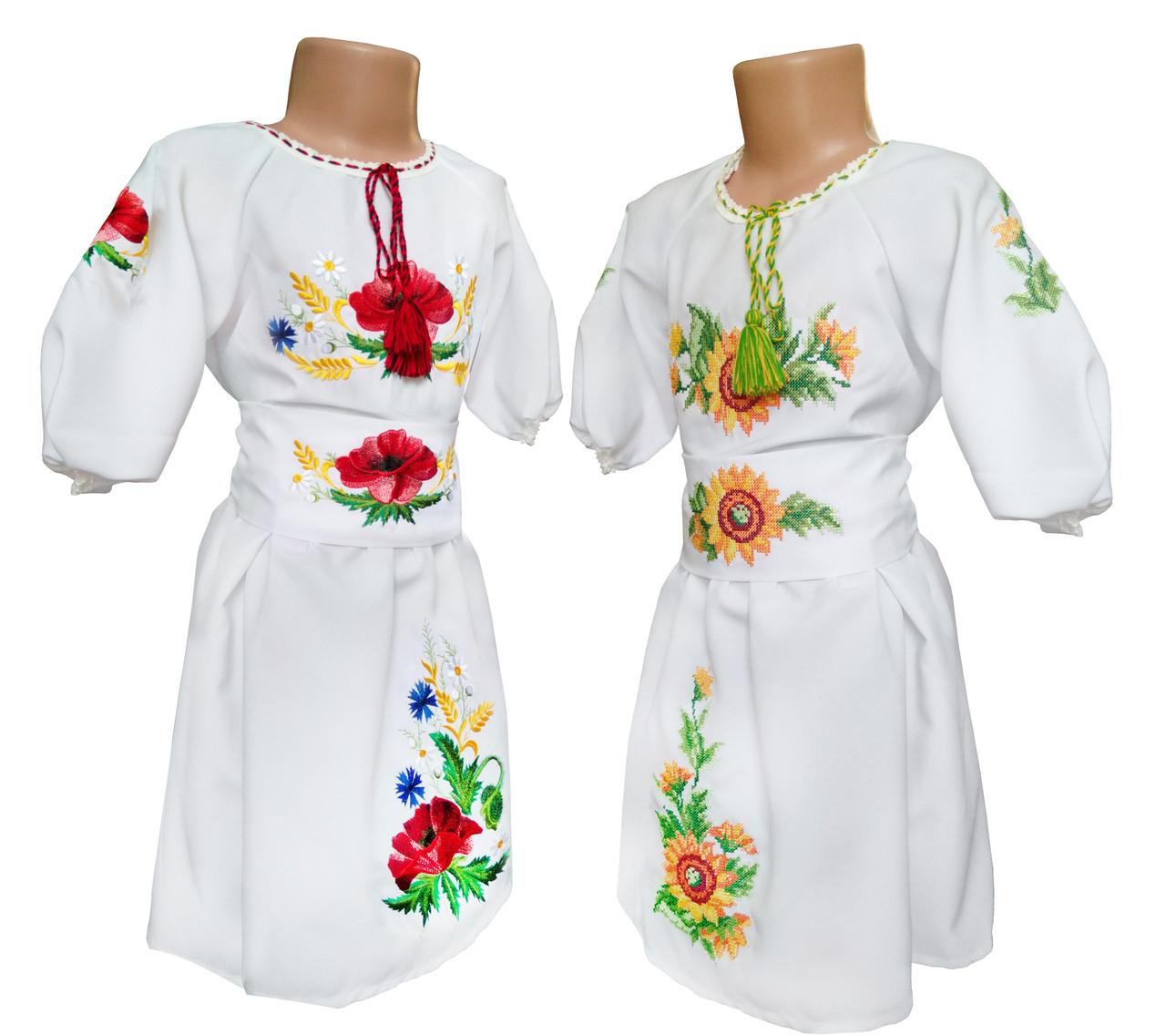 Сукня вишиванка для дівчинки із квітковим орнаментом на білій тканині, фото 1