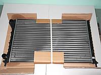 Радиатор охлаждения (воды) Doblo 2000-г.в