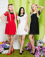 Платье из ткани гипюр декорировано накладным воротничком
