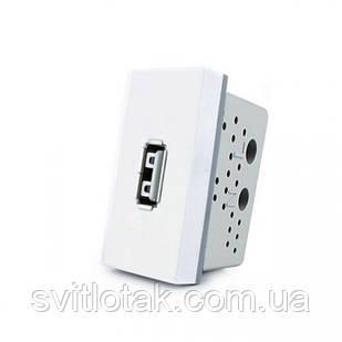 Механизм розетка USB Livolo с блоком питания 2.1А, 5V белый (VL-C7-1USB-11)