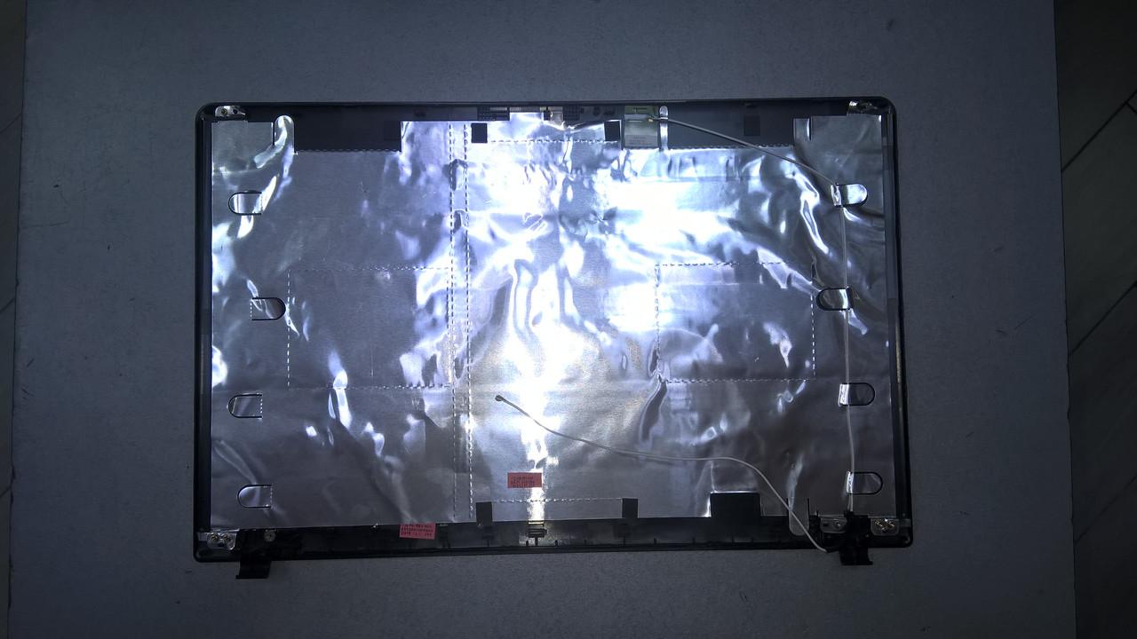 Корпус (крышка матрицы) ноутбук Samsung 300E5 (NP300E5X-A02RU)