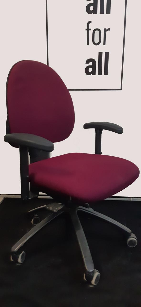 Крісло, офісне крісло б у крісла з європи, меблі з європи.
