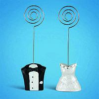 Подставки под номерки на свадебный стол в виде молодой пары