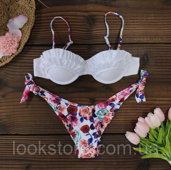 Женский раздельный купальник цветочный с рюшами и пушапом белый L