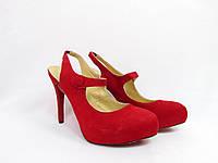 Женские туфли красные Christian Louboutin