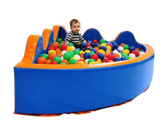 сухой бассейн с шариками -фото