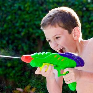 іграшкові пістолети, арбалети і шаблі