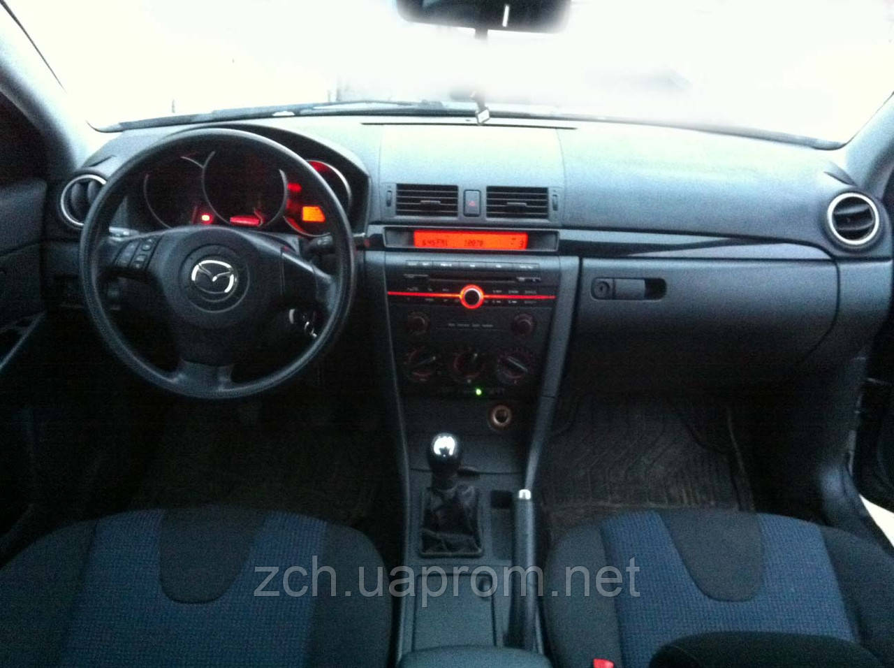 Годинник Mazda 3 sedan