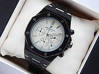 Кварцевые наручные часы Audemars Piguet (реплика) черного цвета со светлым циферблатом, хронограф, фото 1