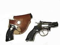 Револьвер- зажигалка в кобуре малый.