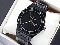 Кварцевые наручные часы Audemars Piguet (реплика) черного цвета с черным циферблатом, дата, фото 1