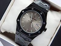 Кварцевые наручные часы Audemars Piguet (реплика) черного цвета, темно-серый циферблат металлик, дата, фото 1