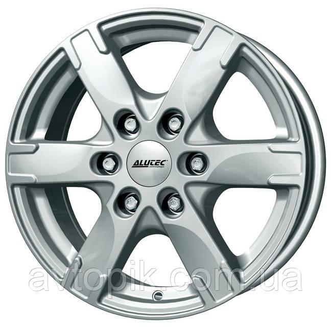 Литые диски Alutec Titan R16 W7 PCD6x130 ET55 DIA84.1 (silver)