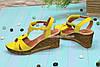 Женские кожаные босоножки на невысокой платформе, цвет желтый, фото 2