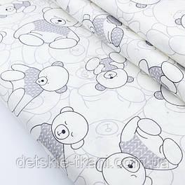 """Сатин шириной 160 см """"Мишка в сером свитере"""" на белом с оттенком айвори № 2315с"""