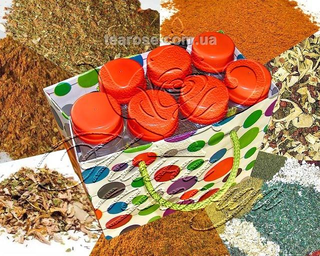 Набір спецій «Приправи для всієї родини_1» у 7 пластикових ємностях