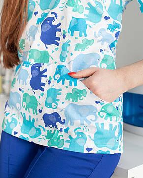 Цікавий медичний жіночий костюм-двійка для жінок з принтом слони, фото 2
