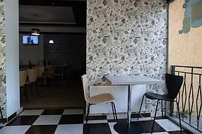 """UDEN-700 инфракрасный металокерамический обогреватель - точечный обогрев посетителей пиццерии """"Домино"""""""