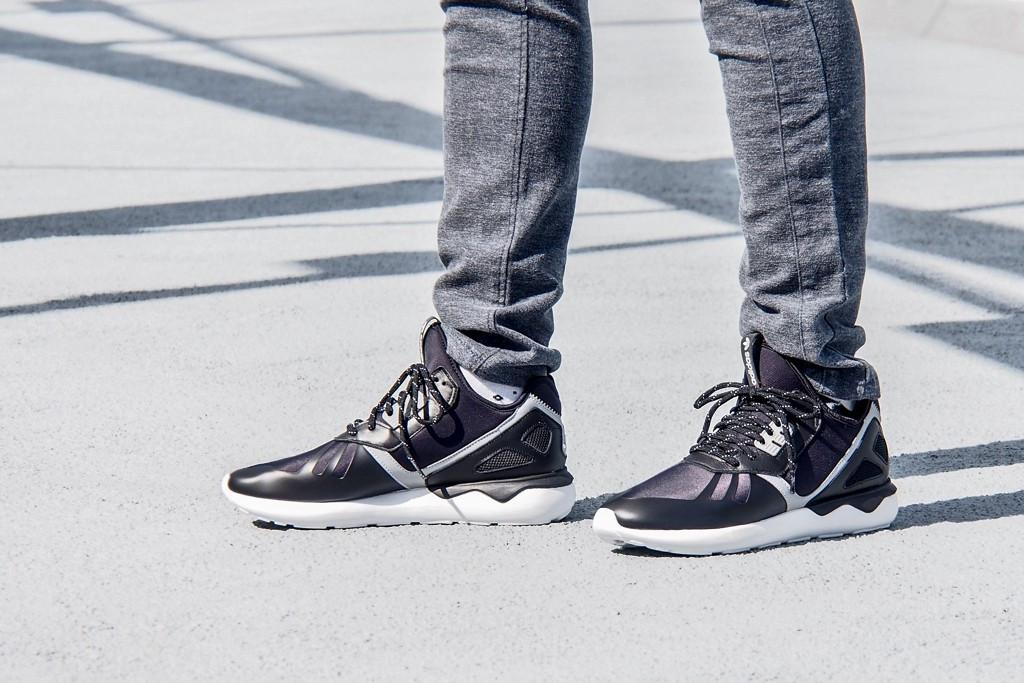 separation shoes 56f9d f9179 ADIDAS Tubular Runner B25525 кроссовки рефлективные ОРИГИНАЛ (44.5 - US  10.5 - 28.5 см) Новые