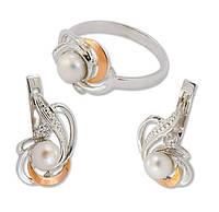Серебряный гарнитур с золотыми накладками - серьги и кольцо сжемчугоми фианитами