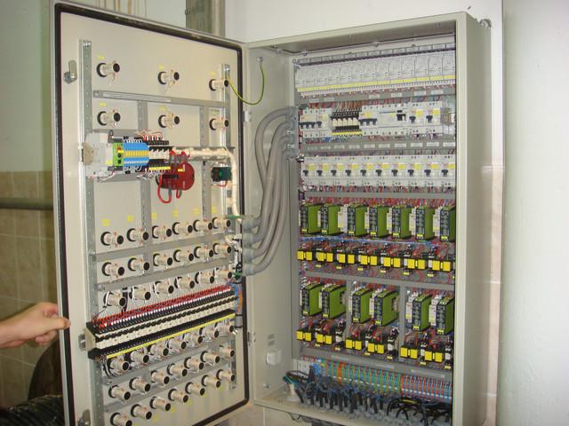 Сборка электротехнических шкафов управления