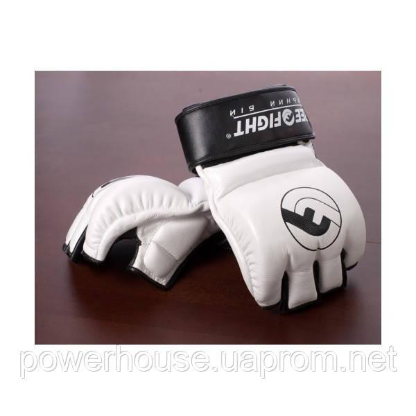 Перчатки MMA Free-Fight c защитой пальца черно-белые 4 унции
