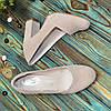 Туфлі замшеві на високому стійкому каблуці, колір бежевий, фото 4