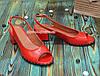Босоножки кожаные красные на невысоком устойчивом каблуке, фото 2