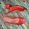 Босоножки кожаные красные на невысоком устойчивом каблуке, фото 4