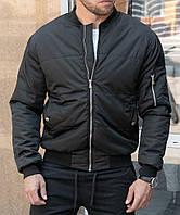 Утепленная куртка бомбер черного цвета